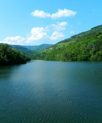 Lac de barrage de la Rive