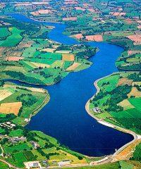 Lac de barrage de Haute-Vilaine