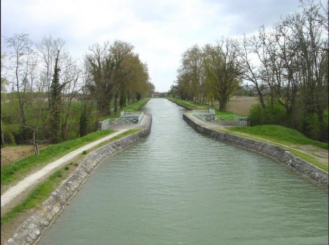 Le Canal de la Garonne - Lamagistère