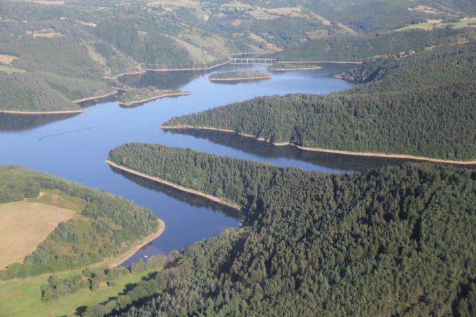 Le lac de retenue de Grandval - Parcours carpe de nuit.